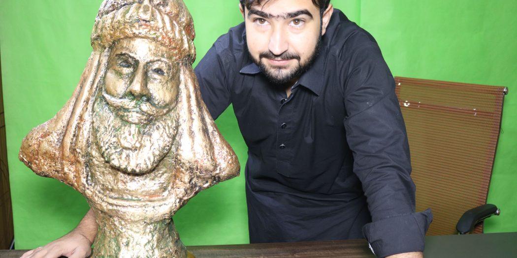 Sculpture: The Famous of All Bareachs Khan Fateh Khan Barech